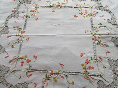Vintage Hand Embroidered Madeira style Irish Linen Tablecloth-SUPERB DETAIL