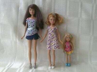 Skipper, Stacey and Chelsea dolls (C)