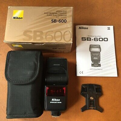 Nikon Speedlight SB-600 Shoe Mount Flash (boxed with stand and case)