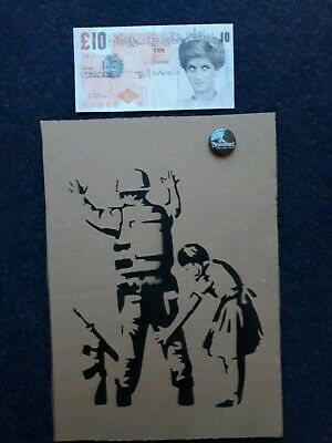 Banksy Dismaland Art un signed Numbered + Original Signed Banksy Tenner Di faced