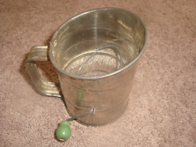 Vintage Bromwells  Three Cup Measuring Sifter Flour Made in USA. Retro.
