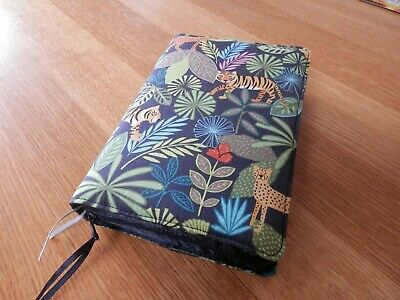 New World Translation 2013 Zipped Fabric Bible Cover - Lions & Tigers