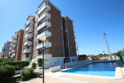 2bed, 2bath apartment in Punta Prima, Orihuela Costa, Alicante, 200m from beach.