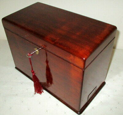 LOVELY SOLID MAHOGANY DESK TOP VICTORIAN STATIONARY BOX side pen drawer & key