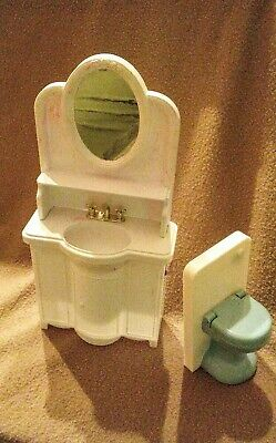 Dollhouse Furniture Sink Toilet and Tub Barbie Doll Size