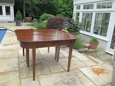 Antique mahogany extending dining table good condition