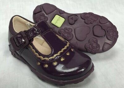 BNIB Clarks Girls Ella Emma Purple Patent Leather Lights First Shoes F//G Fittin