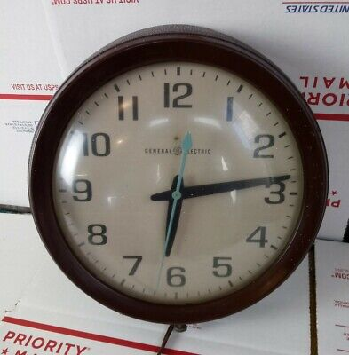 "Vintage General Electric GE 2008-A Analog Wall Clock 10.5"" 120V 60Hz Made USA"