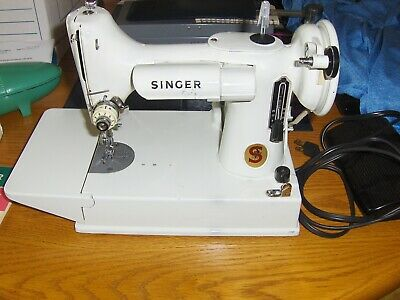 Vintage Singer Sewing Machine Featherweight Portable 221K with Carrying Case