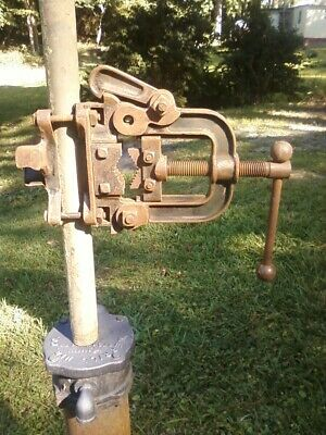 """Vtg Pipe Vise Mounts On 1.5"""" Pipe Conduit Railing Truck  Bench Table With Bender"""