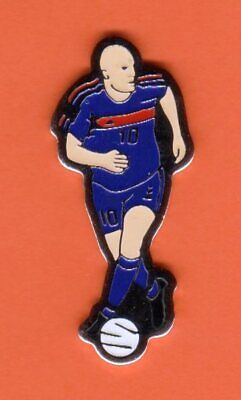 Pin's lapel pins Joueur Equipe de France de Football Foot ZINEDINE ZIDANE N°10