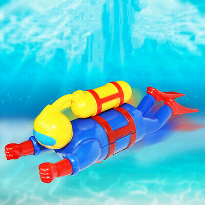 Hot Swimmers Scuba Diver Toy Wind Up Clockwork Sea Baby Bath Toys Kids Gift