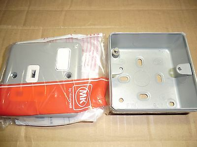 Mk Metal Clad Plus 13 Amp 1 Gang Switched Socket With Back Box