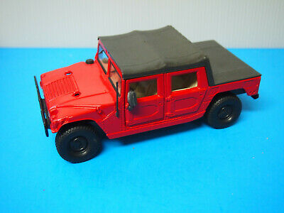 Maisto 1:27 Scale Diecast Model Hummer H1 Red