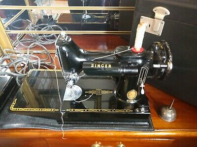"Vintage ~ ""Singer Featherweight"" ~ 221K Sewing Machine with Case ~ Working"