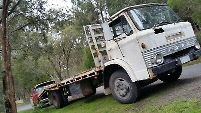 FORD D SERIES 1977 BEAVER TAIL TRUCK 300ci Canadian 6 LPG DRIVES WELL SUIT RESTO