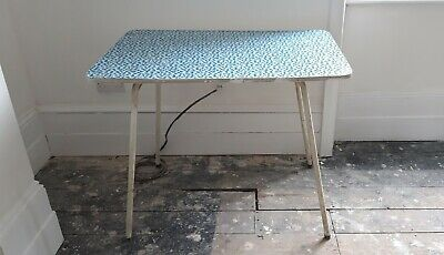 Vintage Retro 1950's/1960's Kitchen Dining Table