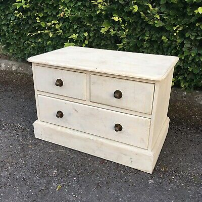 White chest of drawers used