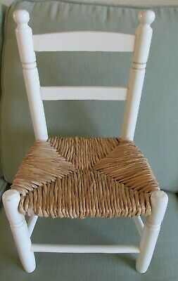 VINTAGE CHILDS CHAIR w TURNED BACK SPINDLES - RUSH SEAT White Paint VGC!