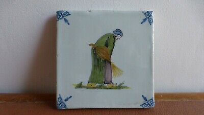 Antique polychrome Dutch Delft tile Ancien carreau polychrome Delft.peasant....4