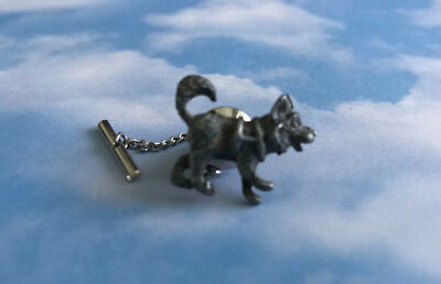 Vtg Pewter Sled Dog Tie Tac Lapel Pin with Chain  ? Alaska Iditarod ? ❄️🐕❄️