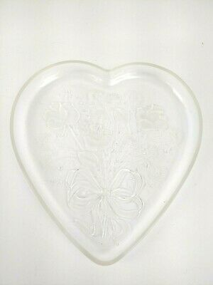 Mikasa Heart Shaped Etched Glass Candy Serving Decorative Frosted Dish 12.5 X 12