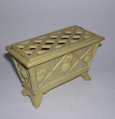 Vtg Cast Iron - Attractive Small Thistle Design Rectangular Footed Flower Holder