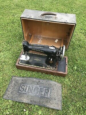 VINTAGE SINGER SEWING MACHINE IN CARRY CASE and MAT
