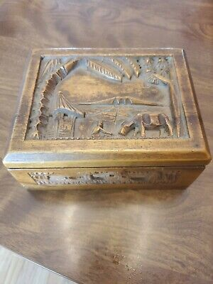VTG Detailed Carved Foliage Wooden Small Vanity Trinket Jewelry Box beveled Lid