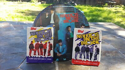 """RARE 1989 New Kids on the Block 6"""" oversized pin button + 2 packs topps cards"""