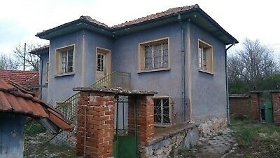 House with 5000sqm, barn & garage + caravan to live in while renovating