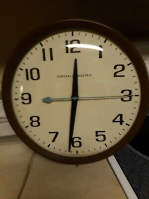 Vintage General Electric Model 2012 Mid Century School Wall Clock Glass Face