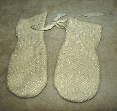 Vintage knit baby booties for dolls or tiny baby, SWEET!