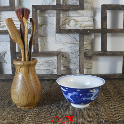 China antique Qing Dynasty Hand-drawn Blue and white Dragon pattern Small bowl