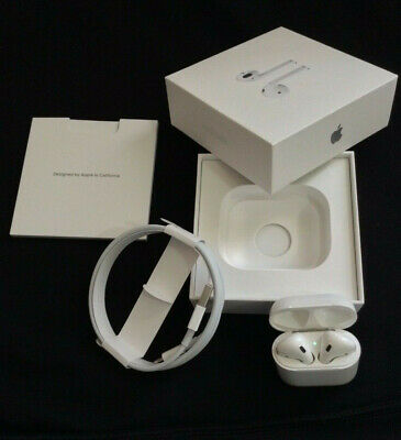 Apple AirPods 1st Gen Wireless Earbuds W/charging case Great Condition A1523 A17
