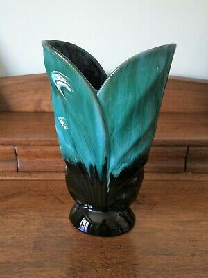 Vintage Blue Mountain Pottery Canada (BMP) ~ Double Leaf Large Vase