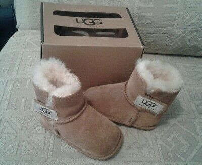 childs ugg boots, size small