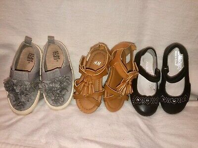 Toddler shoes sizes 25 and 26. Mix of winter and summer shoes.