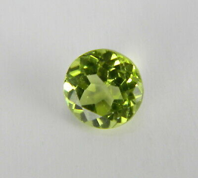 .69 Carats Natural Green Peridot Faceted Gemstone Round PRT01