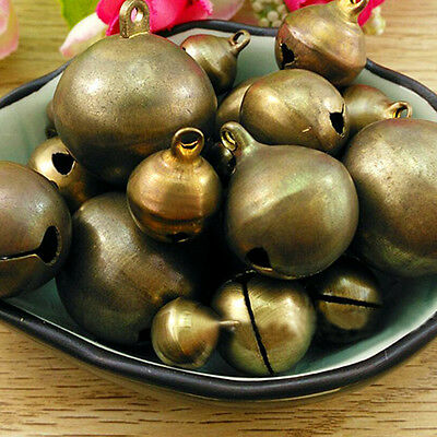 BH_ Vintage Bronze Metal Christmas Jingle Bells Charms for Festival Decoration P