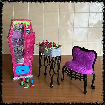 MONSTER HIGH Doll Playset, Social Spots Student Lounge