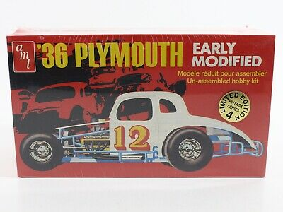 AMT - (1936) '36 Plymouth Early Dirt Modified Race Car - Model Kit