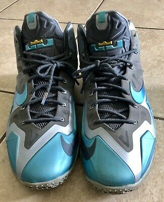 the latest ada0f 1e80b MEN'S 15 NIKE Lebron James Flywire Metallic Blue Grey Pre-owned Big & Tall