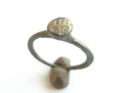 Amazing - Ancient Roman Billon Ring > nuneral & letter *V* engraved - 100 AD