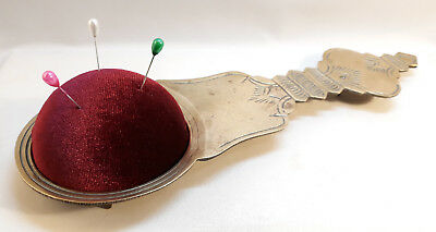 PUNTASPILLI ANTICO OTTONE cucito Antique Brass Pin Cushion Holder Needlework