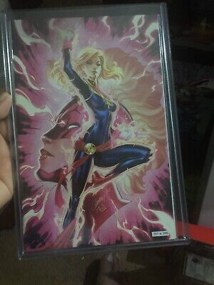 SDCC 2019 Exclusive Captain Marvel #7 J Scott Campbell Glow in the Dark Variant