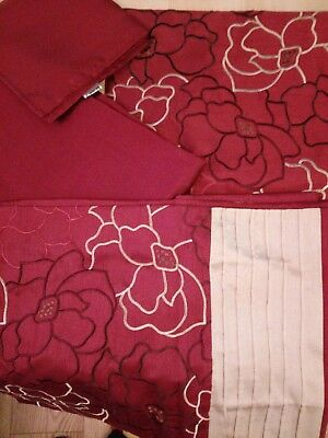 Crimson Tablecloth Napkin Runner and Placemat Set