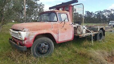 1959 Ford Truck With Kelley Bee Loader. Project for restoration