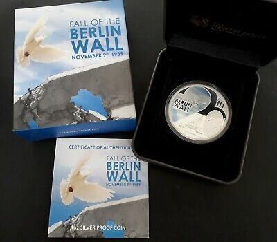 2009 Tuvalu 20th Anniv Fall of the Berlin Wall  31gm 99.9% Silver $1 coin