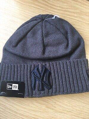 New Era MLB New York Yankees Beanie Hat